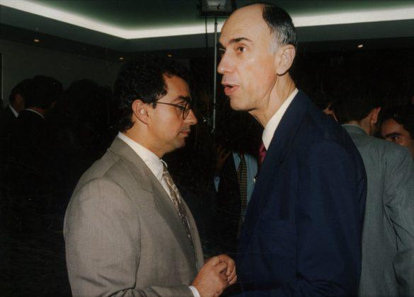 Marco Antônio de Oliveira Maciel foi um advogado, professor e político brasileiro. Foi deputado, governador de Pernambuco, senador e vice-presidente da República (de 1995 a 2002).